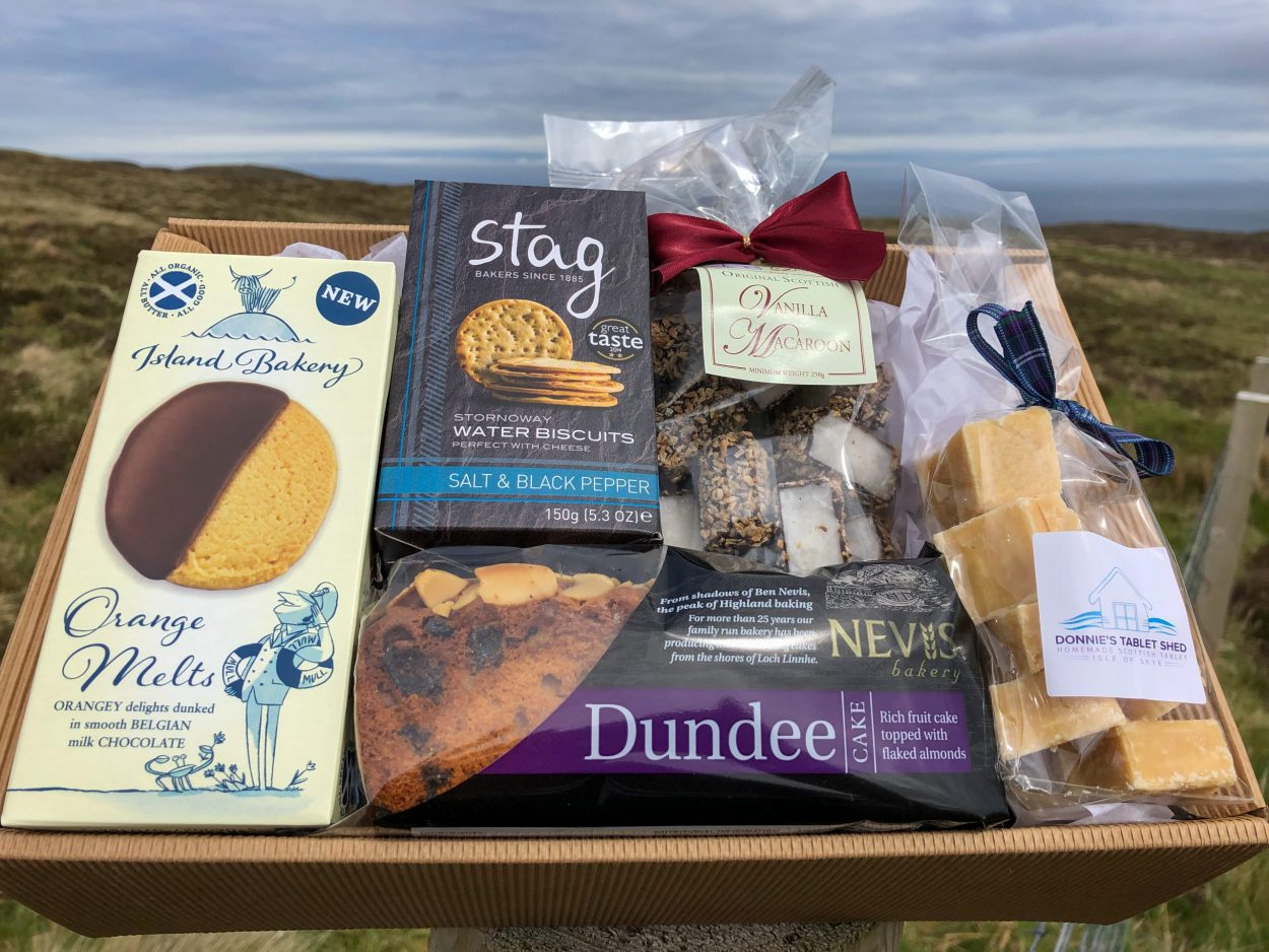 SCOTTISH TEA TIME HAMPER